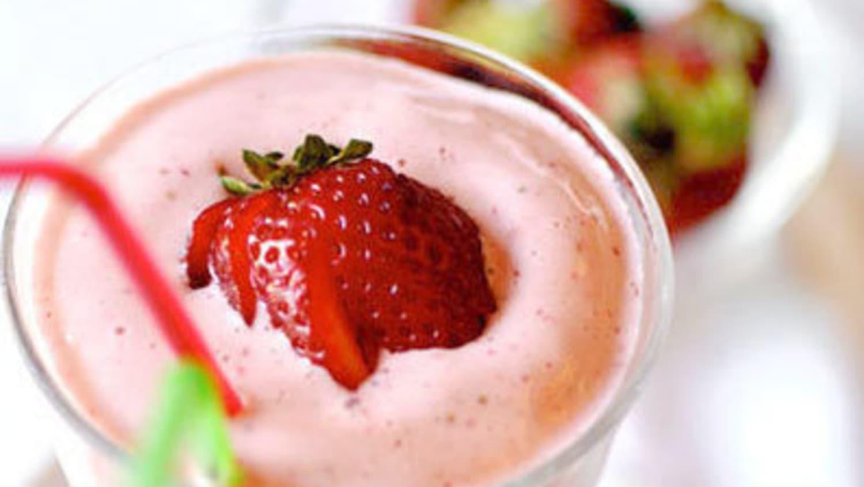 How To Make a Perfect Strawberry Milkshake