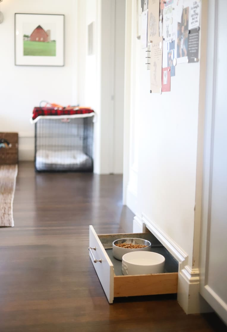 Built-in drawer with dog bowls