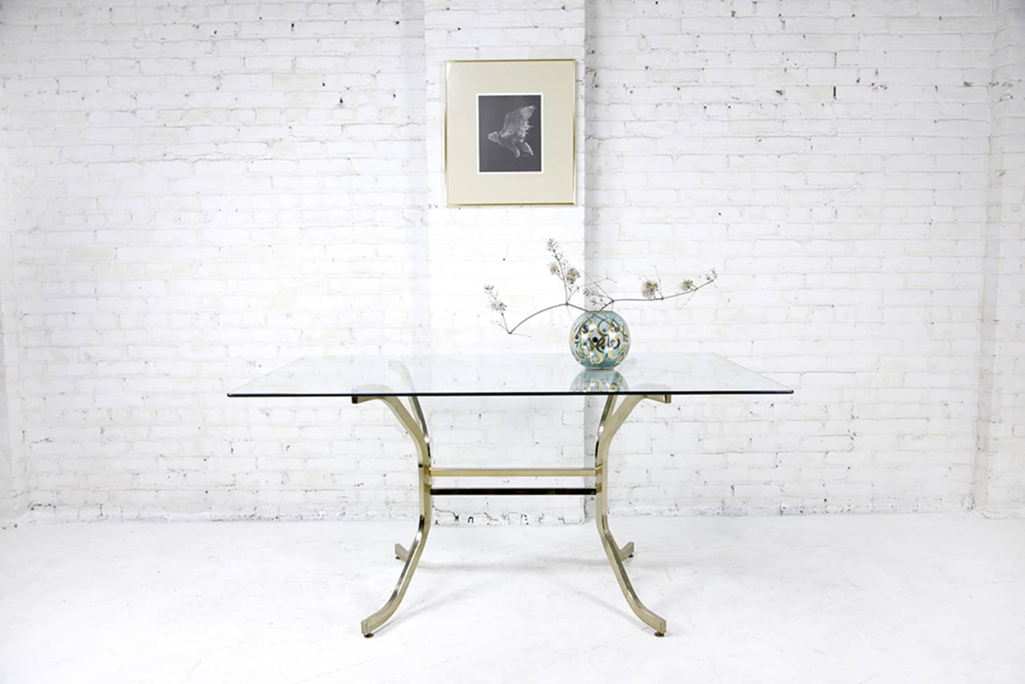 Take A Seat At One Of These 7 Dining Tables Available On