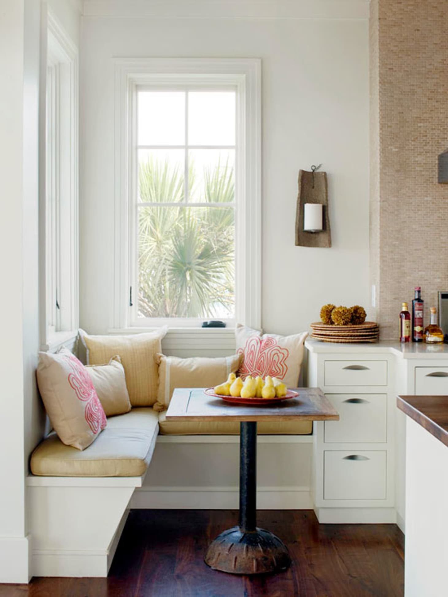 Banquette Built In Benches Add Smart Kitchen Seating Apartment