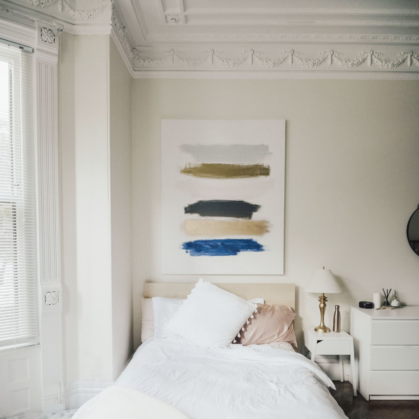 See A Boston Studio Apartment With Great Architecture