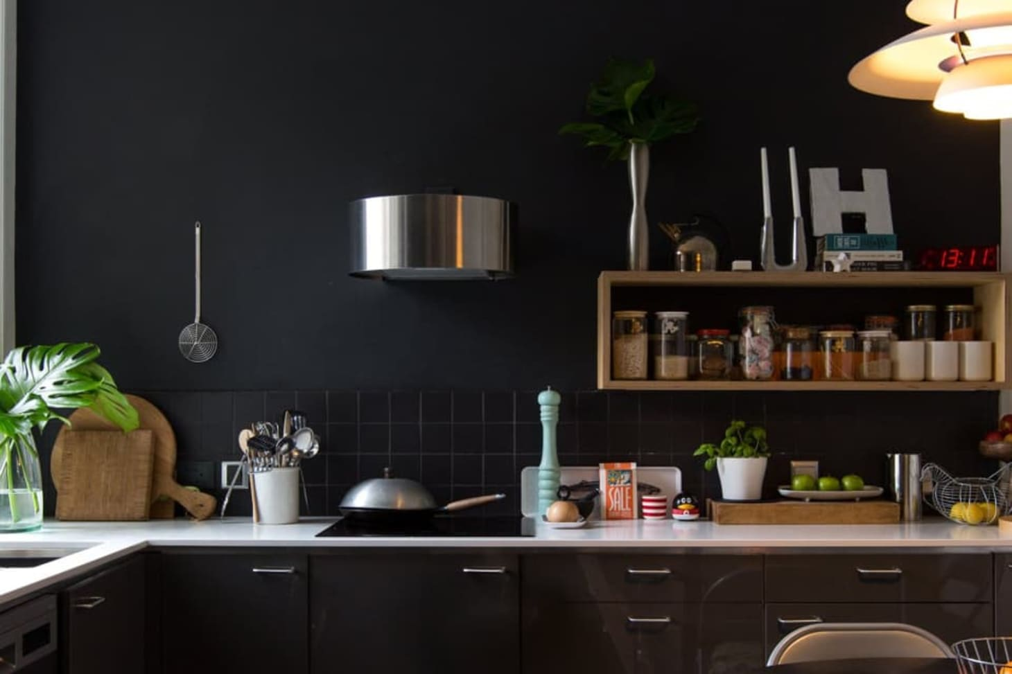 London Dark Wall Paint Colors | Apartment Therapy
