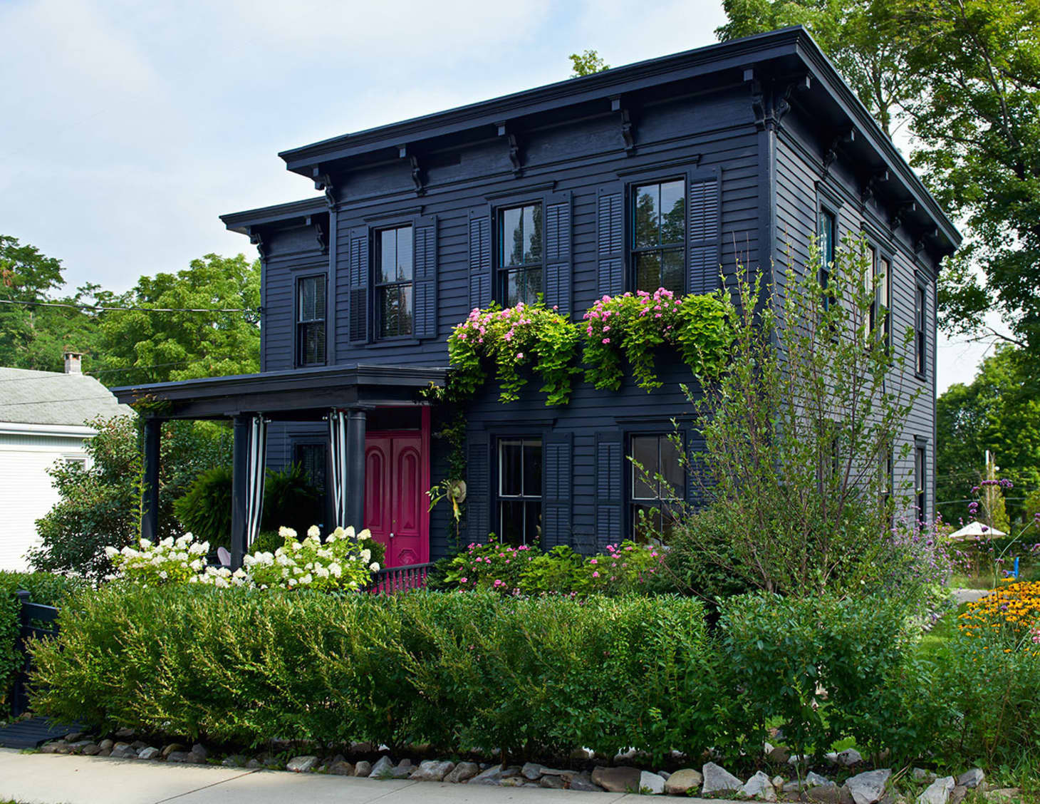 Unusual Exterior Paint Color Combos That Actually Look
