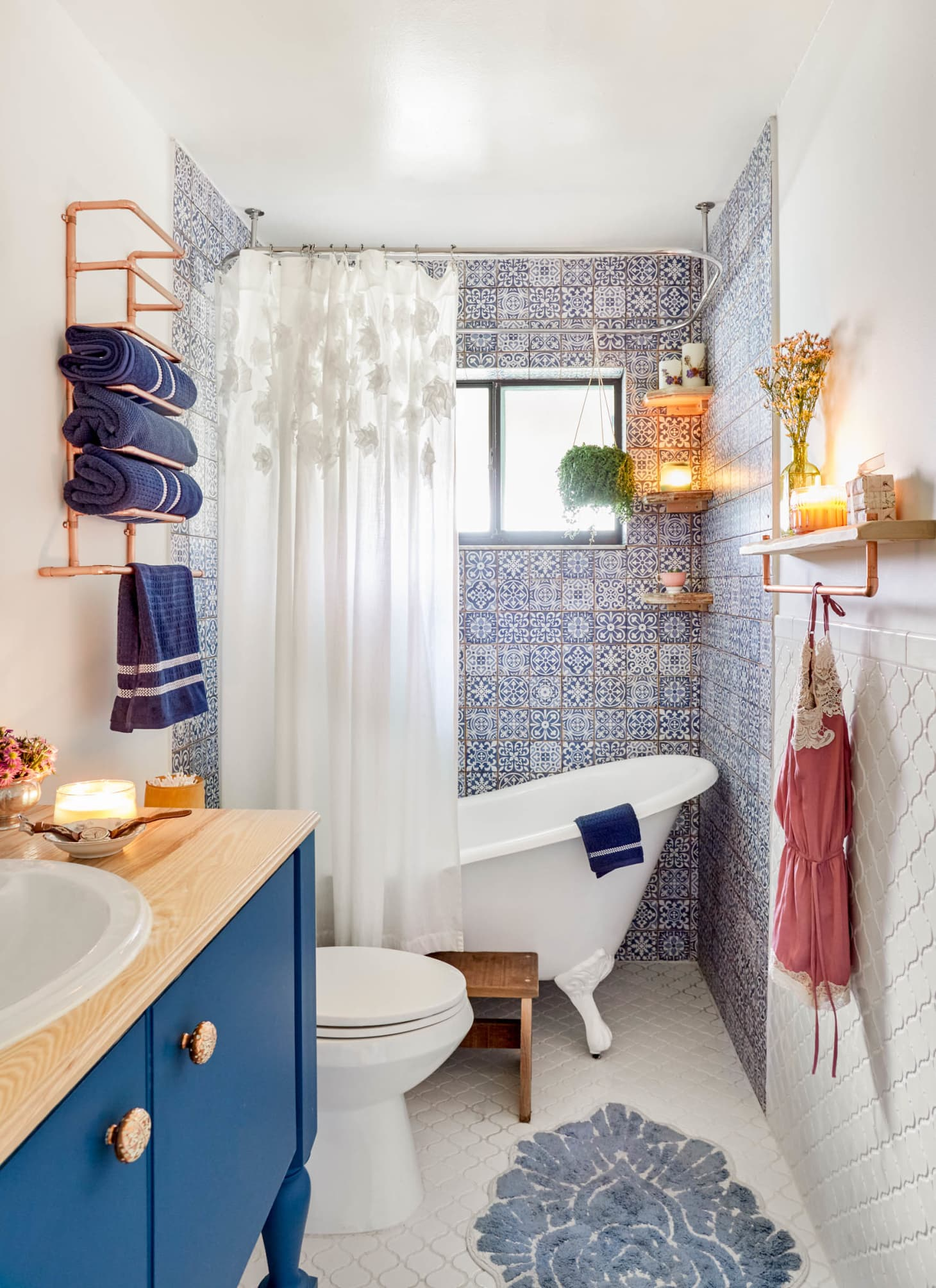 50 Best Small Bathroom Decorating Ideas - Tiny Bathroom ...