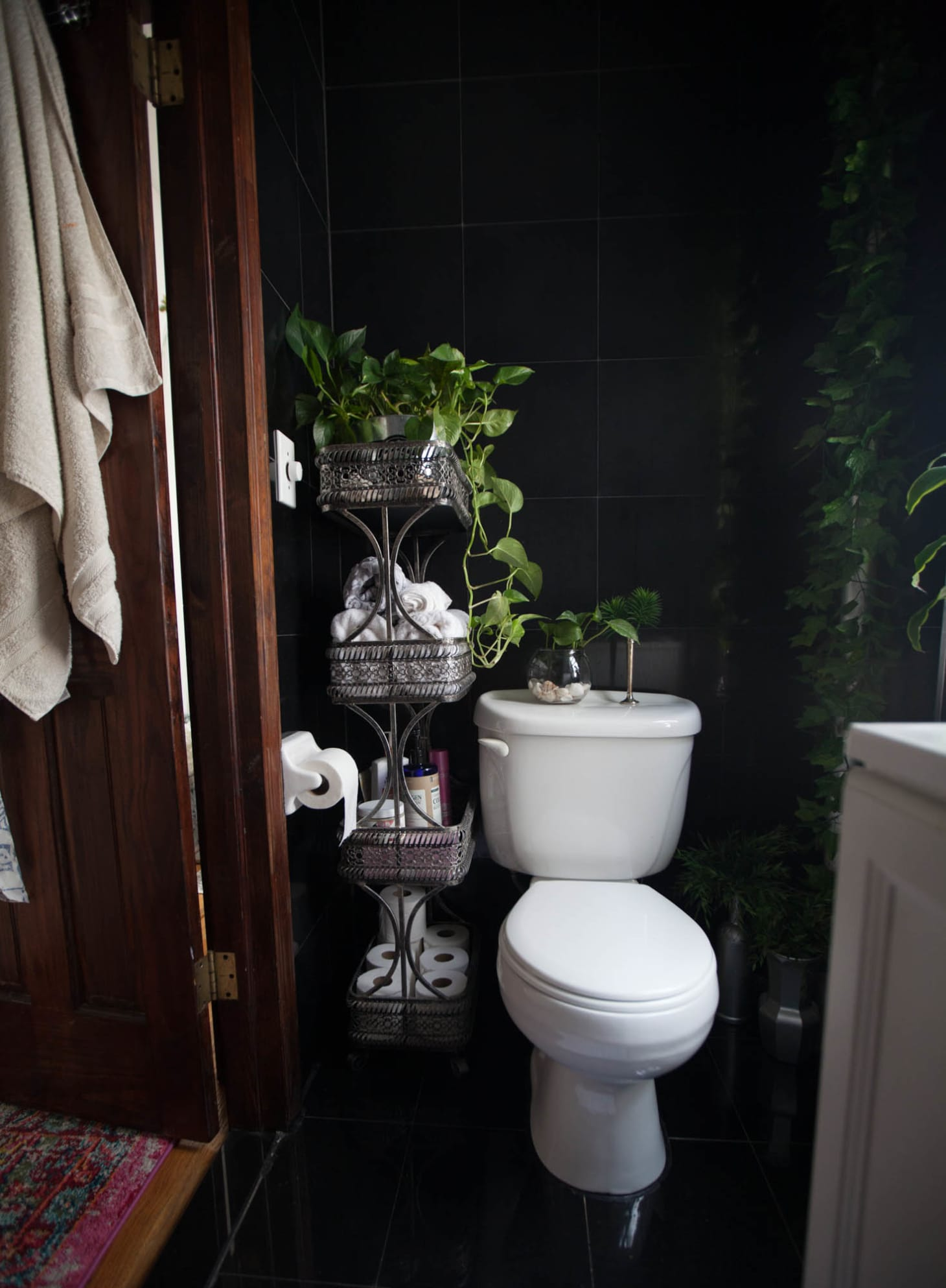 Fantastic The Best Bathroom Paint Colors For Selling A House Download Free Architecture Designs Ferenbritishbridgeorg