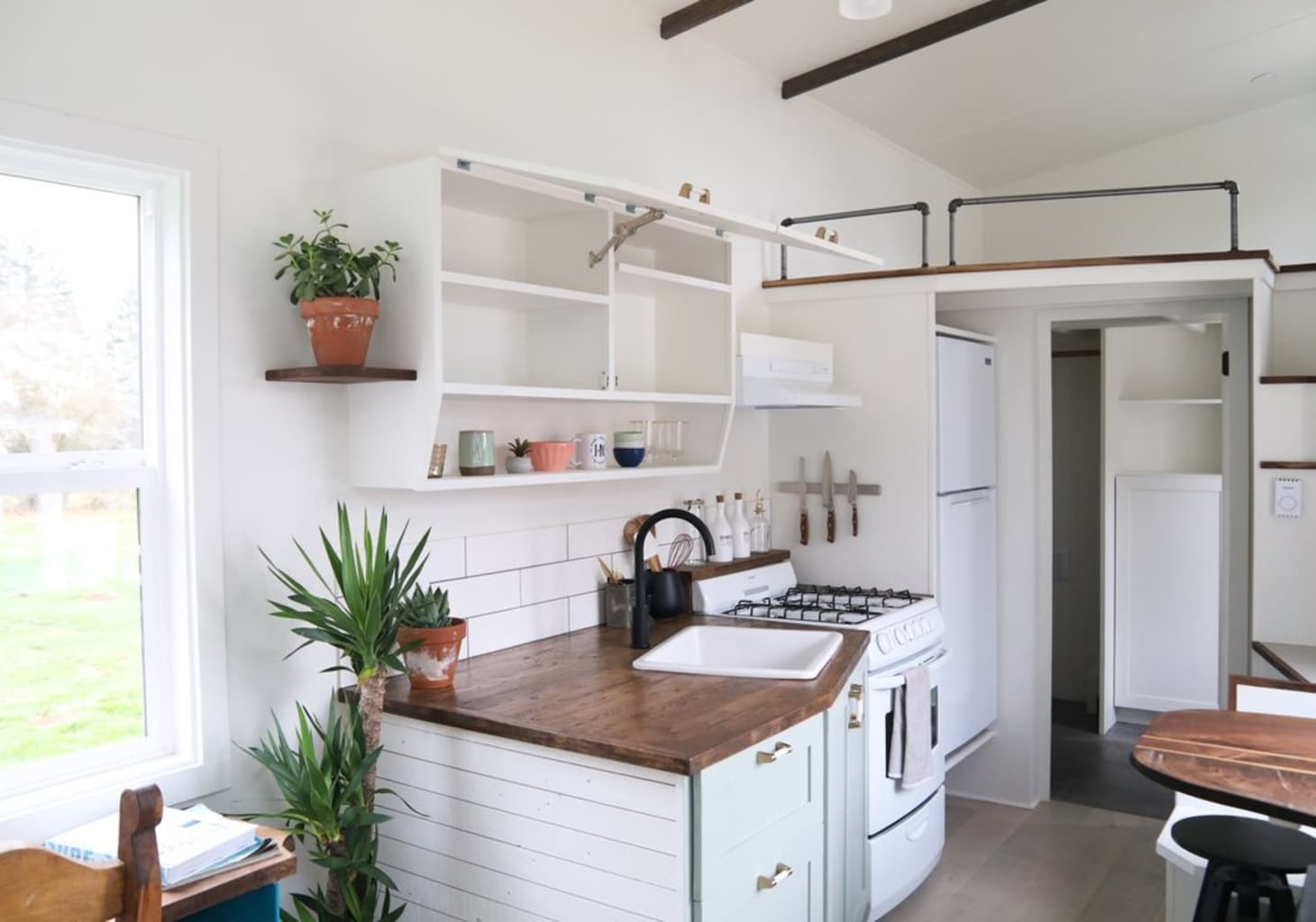 The Best Tiny Kitchens on Apartment Therapy   Kitchn