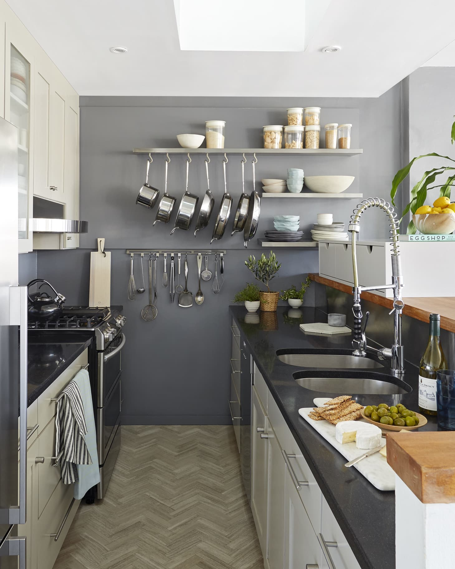 Small House Interior Design Kitchen: The Best Small Kitchen Must-Haves, According To Interior