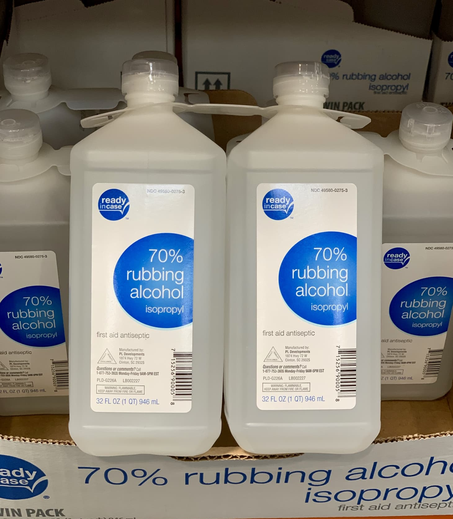 People Cleaning Kitchen: Costco Rubbing Alcohol Cleaning Tips