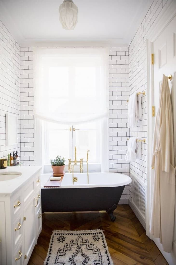 Black And White Gold In The Bathroom Apartment Therapy