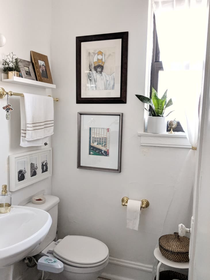 25 Small Bathroom Storage Design Ideas Storage Solutions For Tiny Bathrooms Apartment Therapy