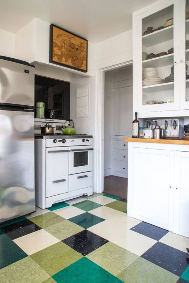 Take Another Look Vinyl Linoleum Tiles Can Actually Look Good Really Apartment Therapy