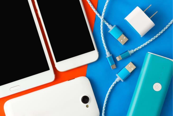 Does a Phone Charger Use Power When Plugged In? | Apartment Therapy