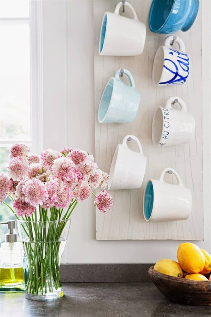 6 Ways To Organize Coffee Mugs And Show Them Off Apartment Therapy