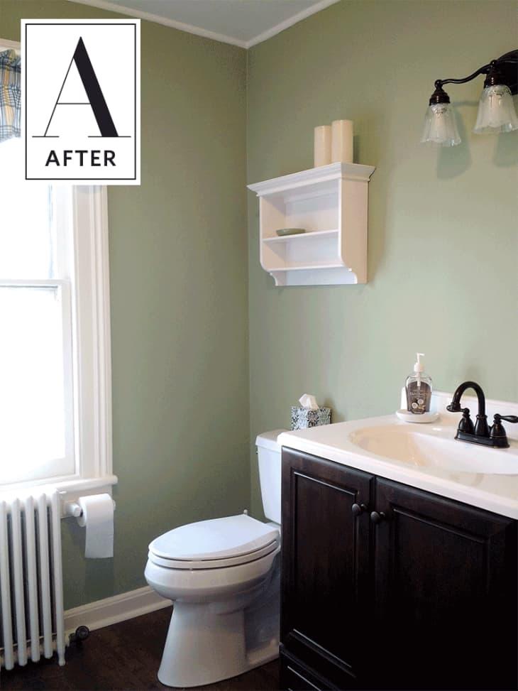 tub before bathroom