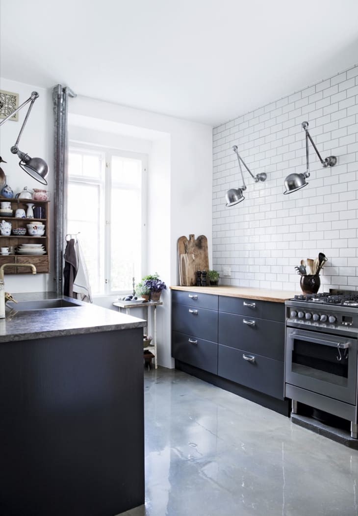Kitchens Without Upper Cabinets Should You Go Without Apartment Therapy