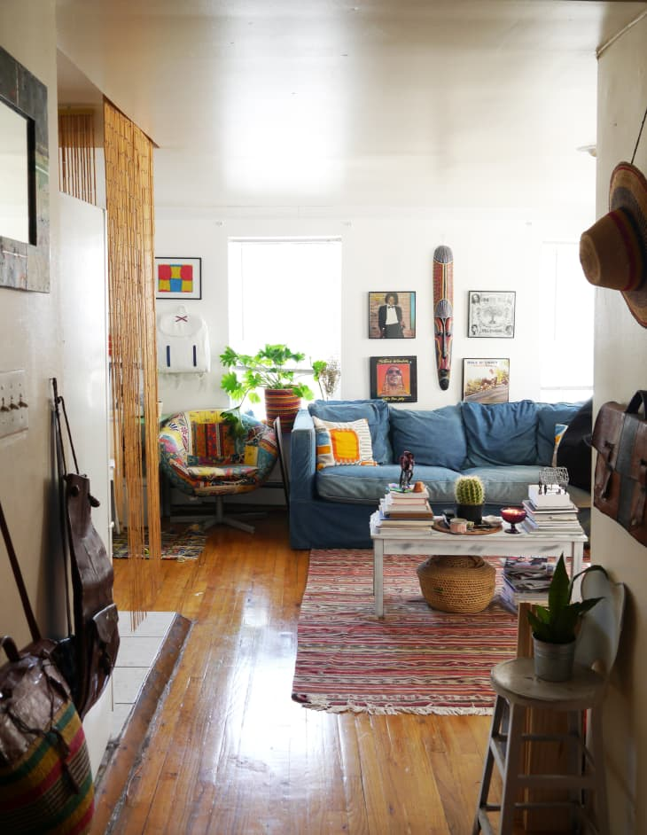 How To Downsize Home 250 Square Feet Apartment Apartment Therapy