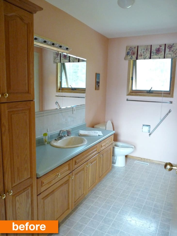 20 Small Bathroom Makeover Ideas and Before & After ...