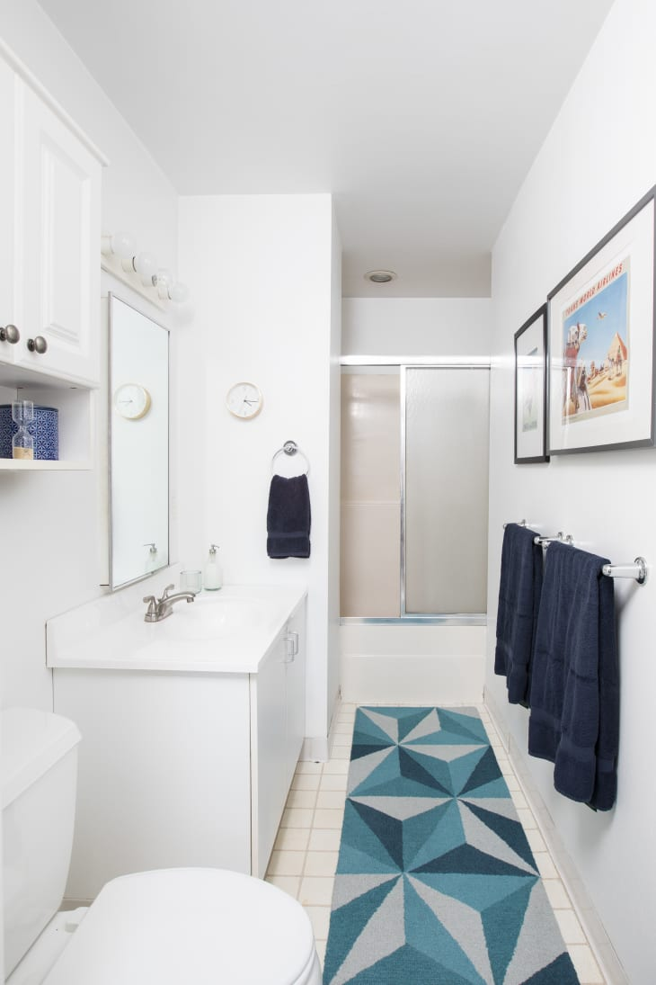 25 Reversible Ideas to Overhaul Your Rental Bathroom NOW