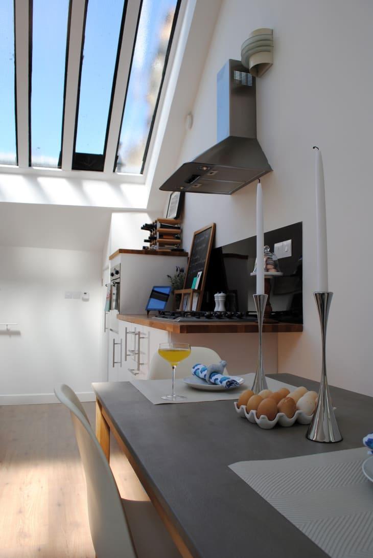 House Tour: A Small But Cozy London Apartment | Apartment ...