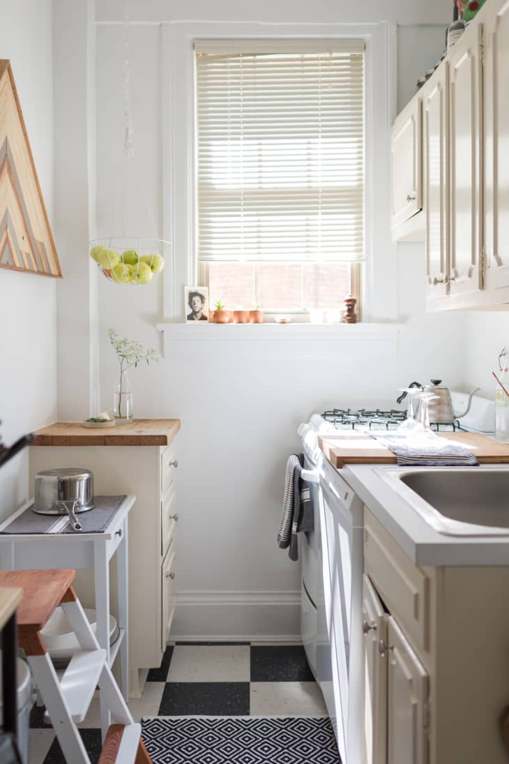 9 Galley Kitchen Ideas   Photo of Cool Galley Kitchens ...