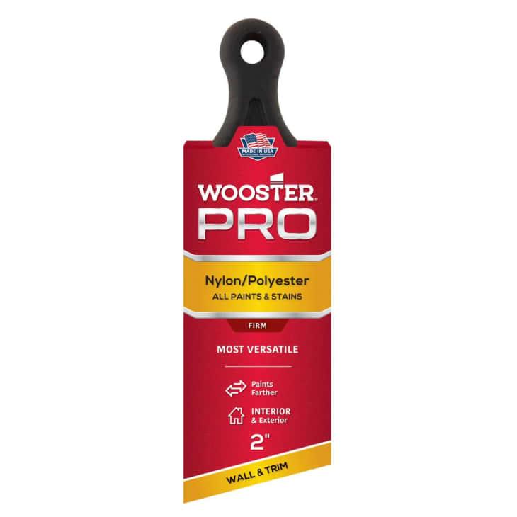 产品图片:Wooster 2在。Pro尼龙/涤纶短柄角窗刷