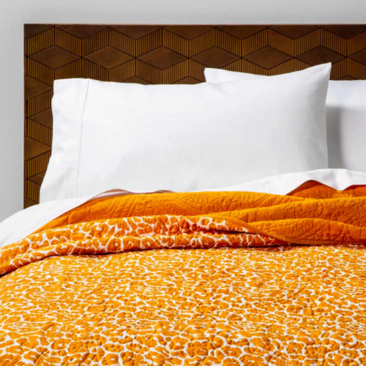 The Best Lightweight Quilts And Coverlets For Your Bed Apartment Therapy