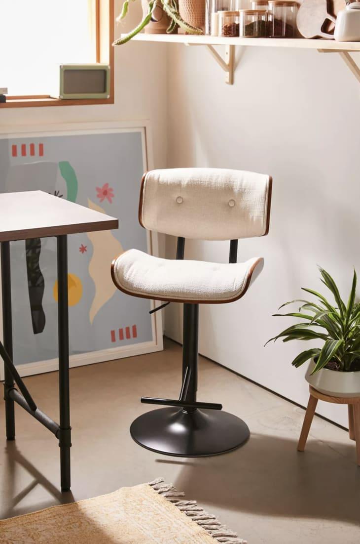 产品形象:锡耶纳软垫台凳