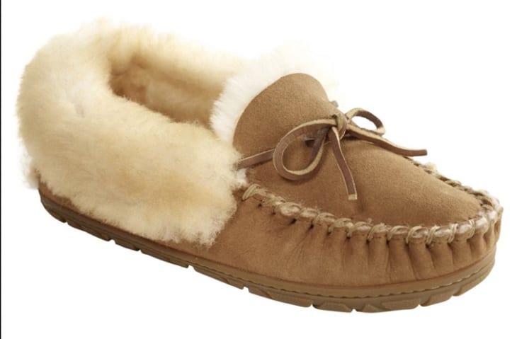 产品形象:女性的恶善鹿皮鞋