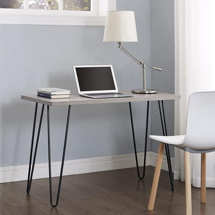 产品形象:Ameriwood Home Owen复古发夹桌