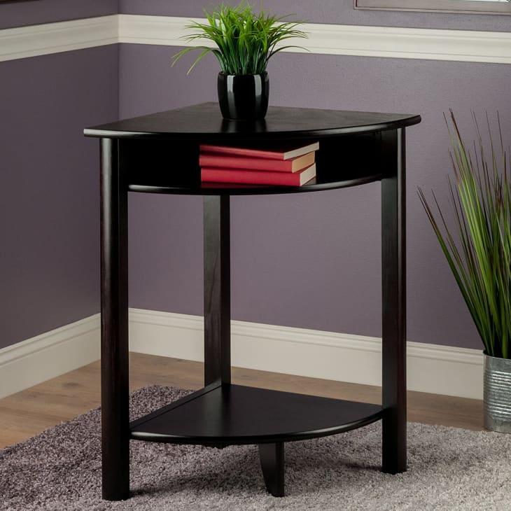 产品形象:迷人的LISO角落书桌