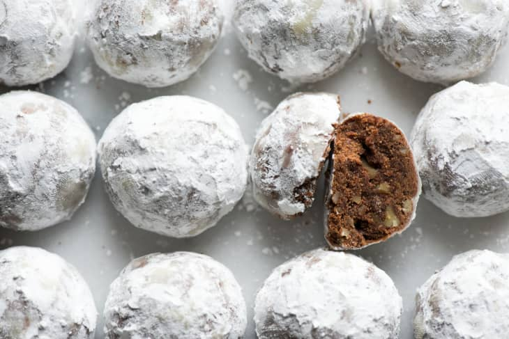 Recipe Chocolate Mexican Wedding Cookies Kitchn