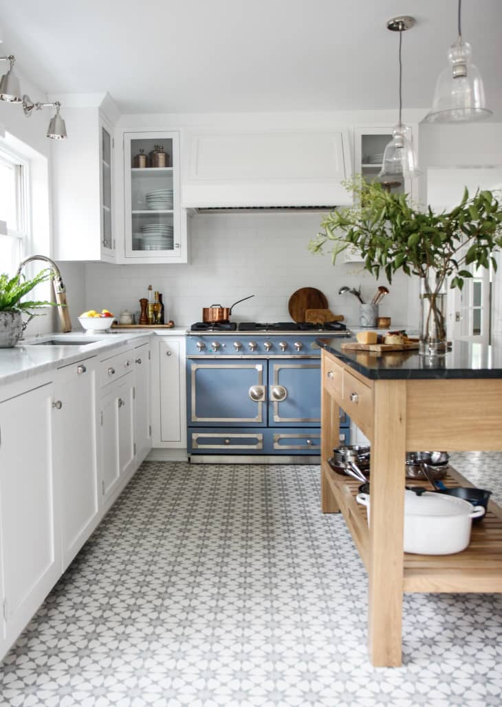7 Best Kitchen Cabinets Paint Colors For A Happier Kitchen Kitchn