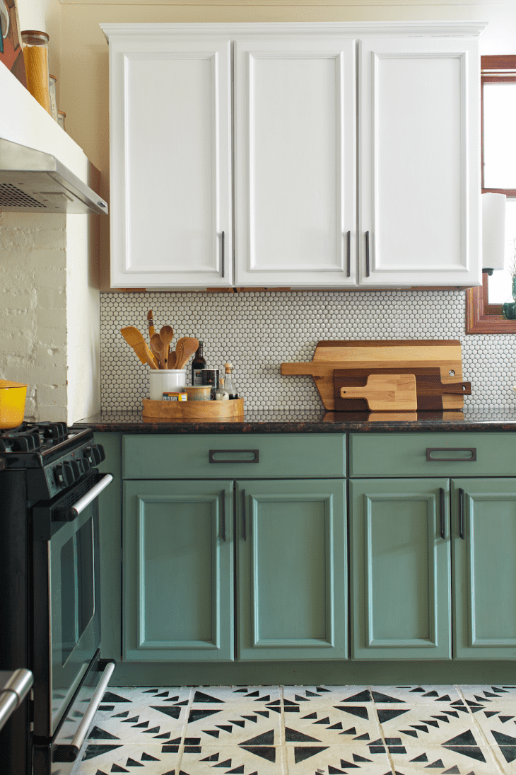 Image of: Yes You Can Paint Your Entire Kitchen With Chalk Paint Kitchn