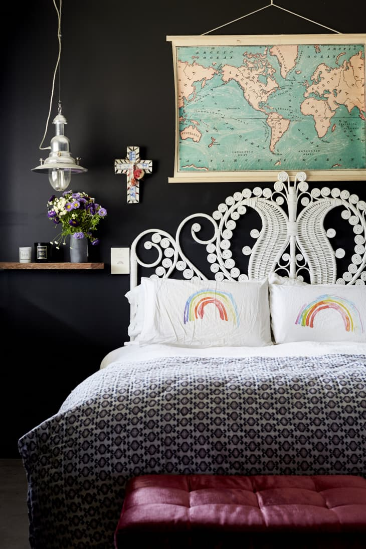 18 Stunning Black Bedrooms How To Use Black Walls Decor In Bedrooms Apartment Therapy