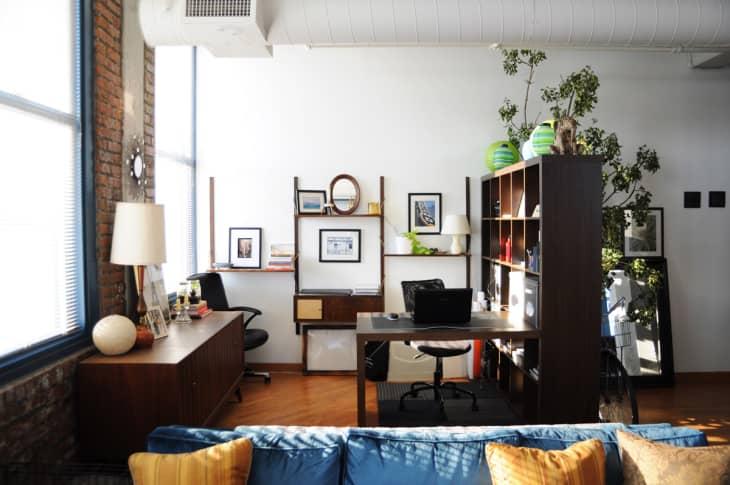 Arthur Amp Kristin S Sunny Vintage Loft Apartment Therapy