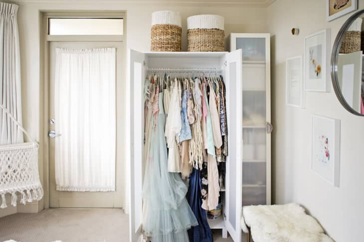 9 Ways To Organize A Bedroom With No Closets Apartment Therapy
