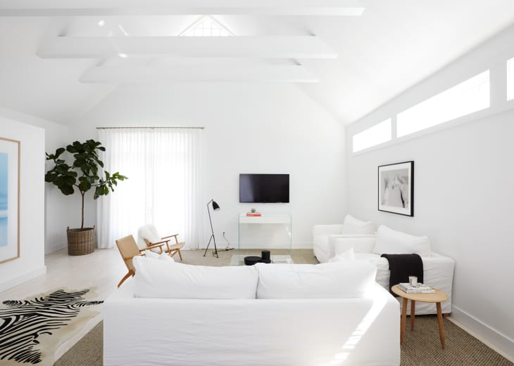 27 Minimalist Living Room Ideas How To Use Minimalism In Rooms Apartment Therapy