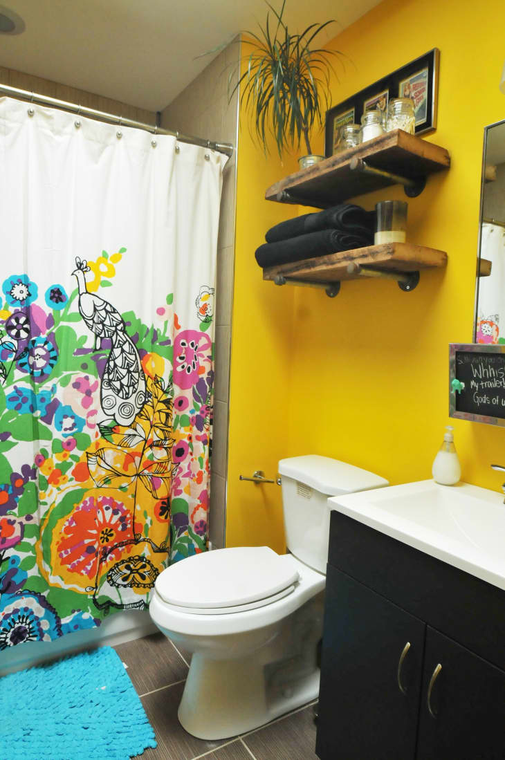 The 30 Best Bathroom Colors Bathroom Paint Color Ideas Apartment Therapy