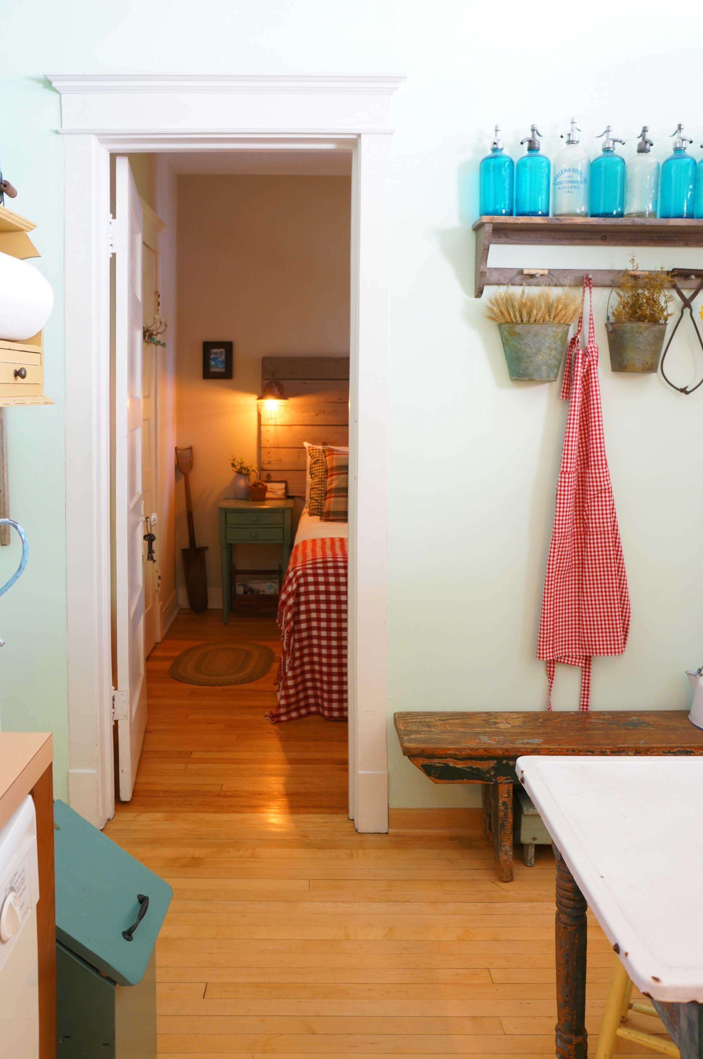 House Tour: Cozy Farmhouse Style, Evolved | Apartment Therapy