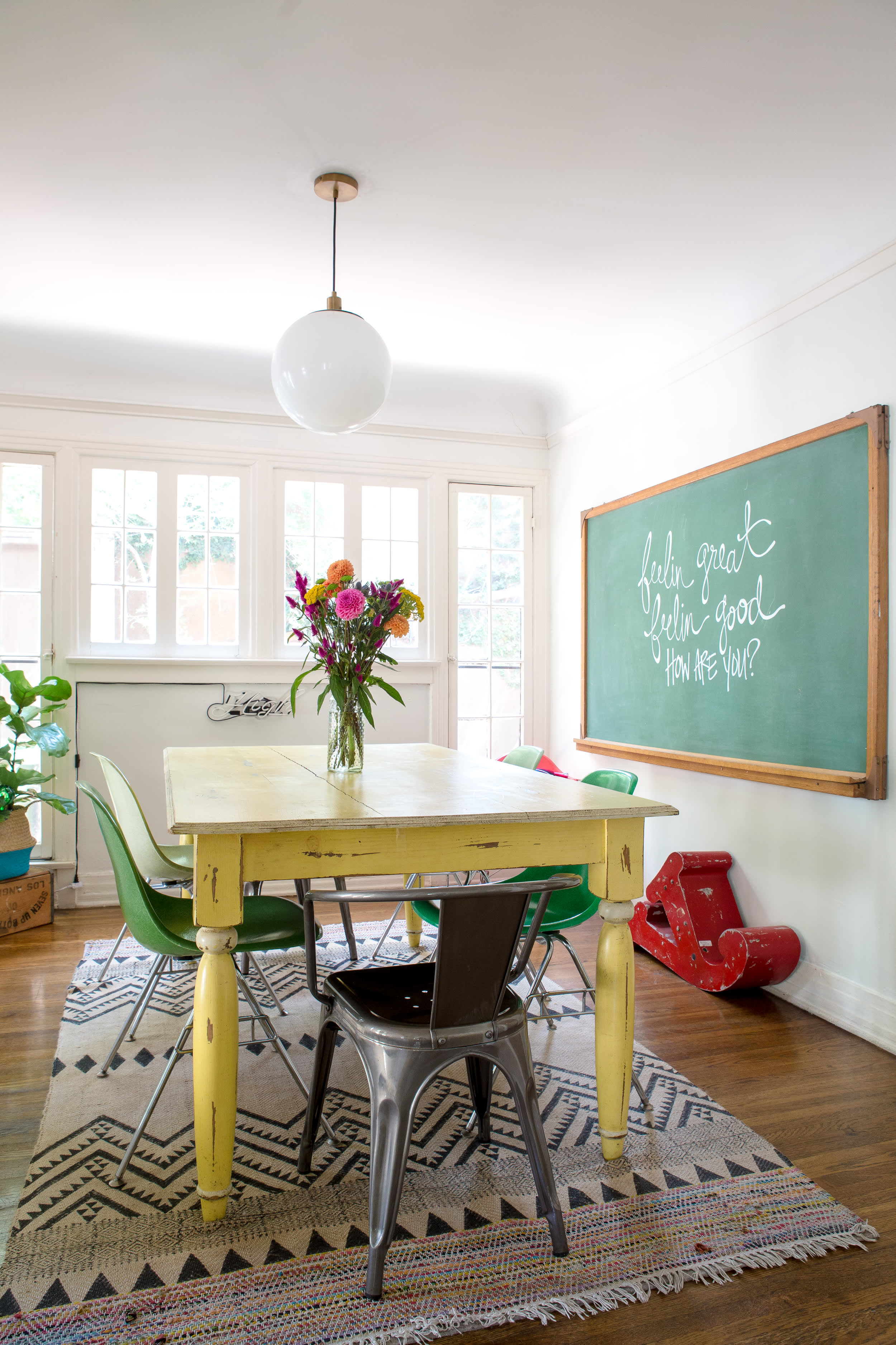 House Tour A Hairstylist S Cool In Home Salon Apartment Therapy