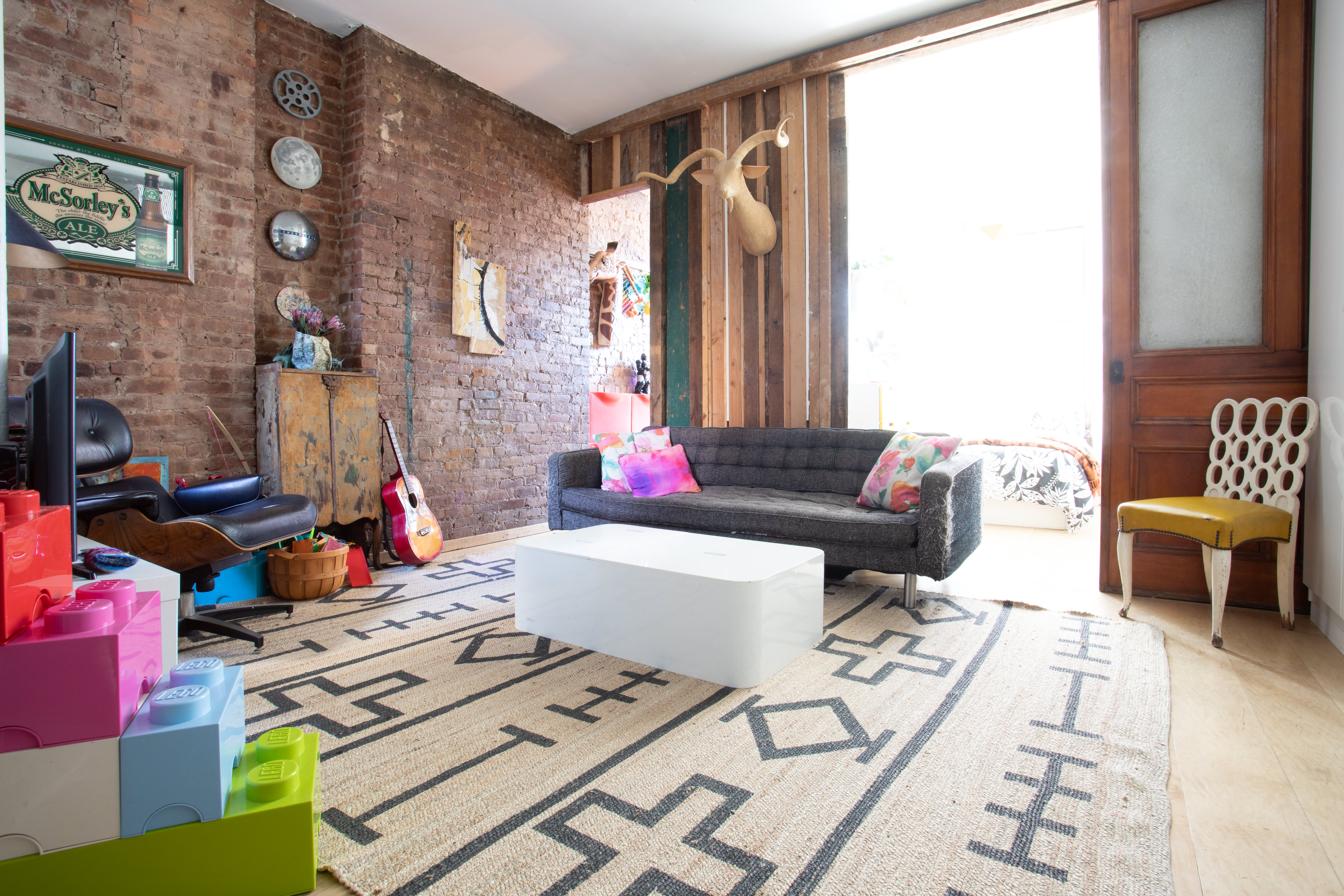 This Family Of Four S 500 Square Foot Apartment Feels Much Larger Apartment Therapy
