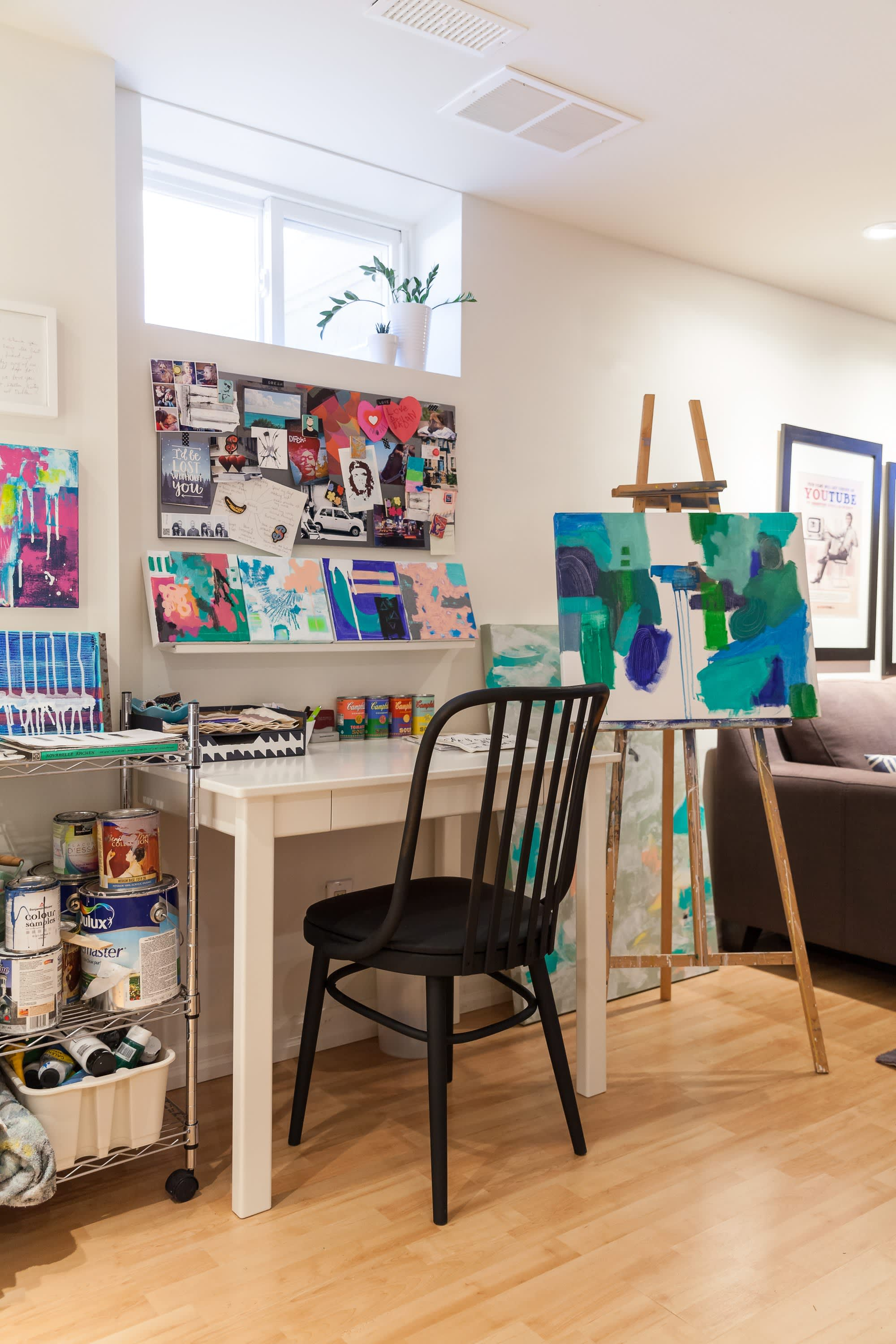 House Tour: An Art-Filled Family Home in Ontario ...