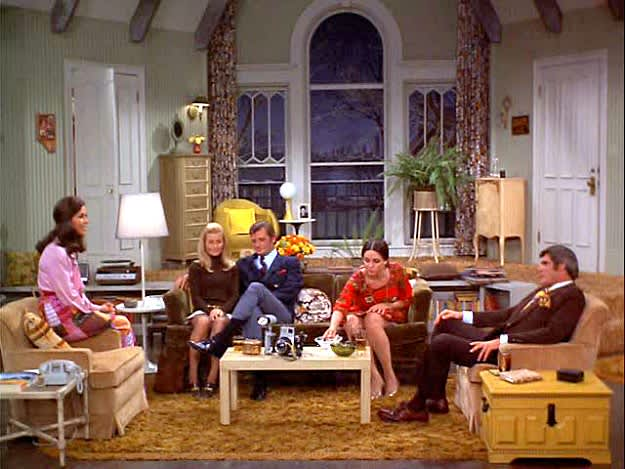 The Mary Tyler Moore Show Apartment Was the Epitome of Single Girl Cool |  Apartment Therapy