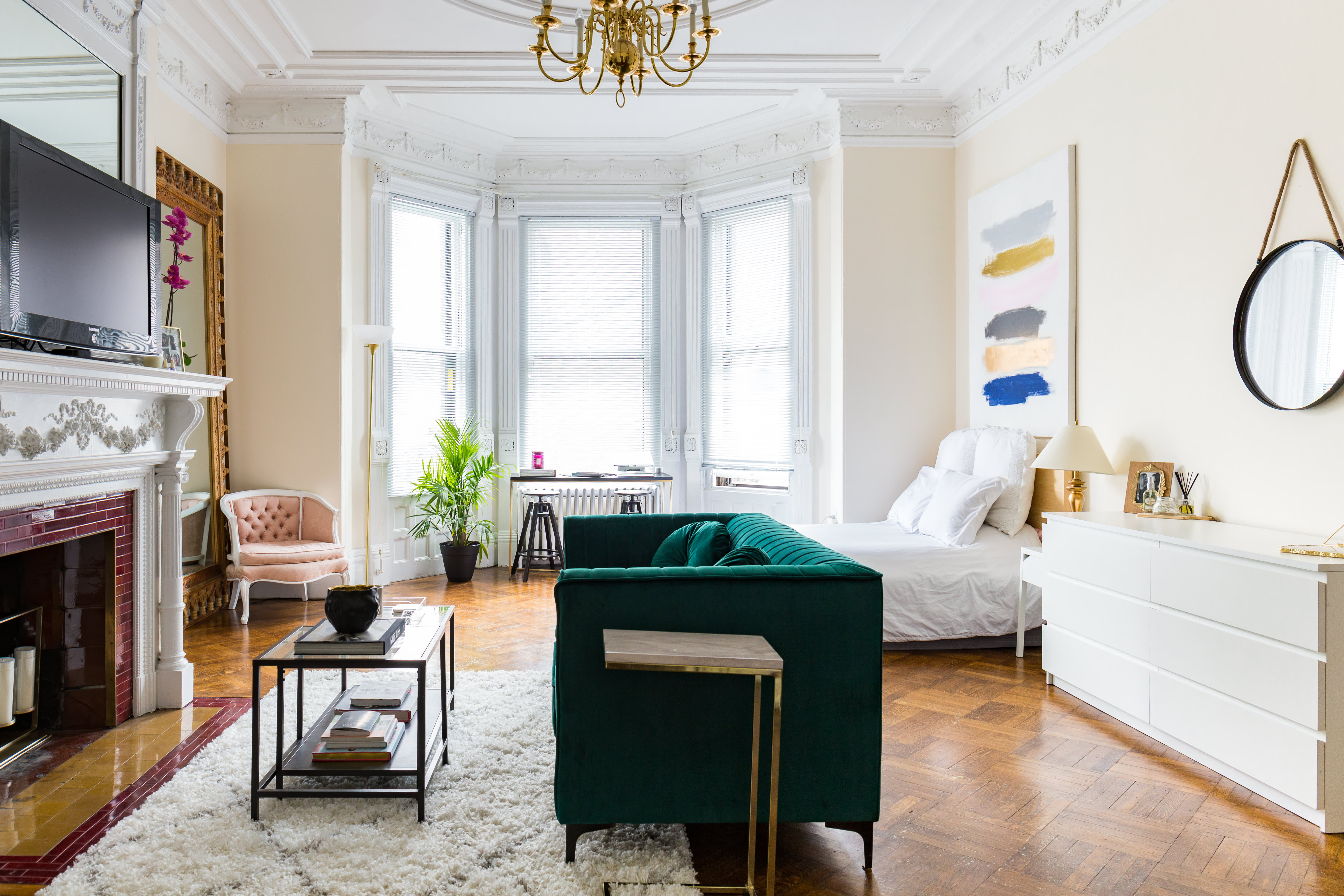 This 500-Square-Foot Boston Studio Apartment Is Incredibly ...