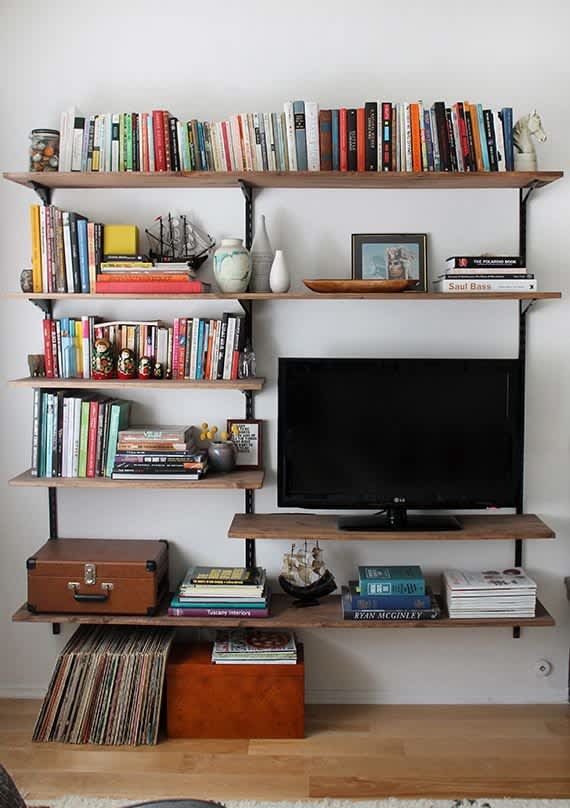 Small Space Living 25 Diy Projects For Your Living Room Apartment Therapy