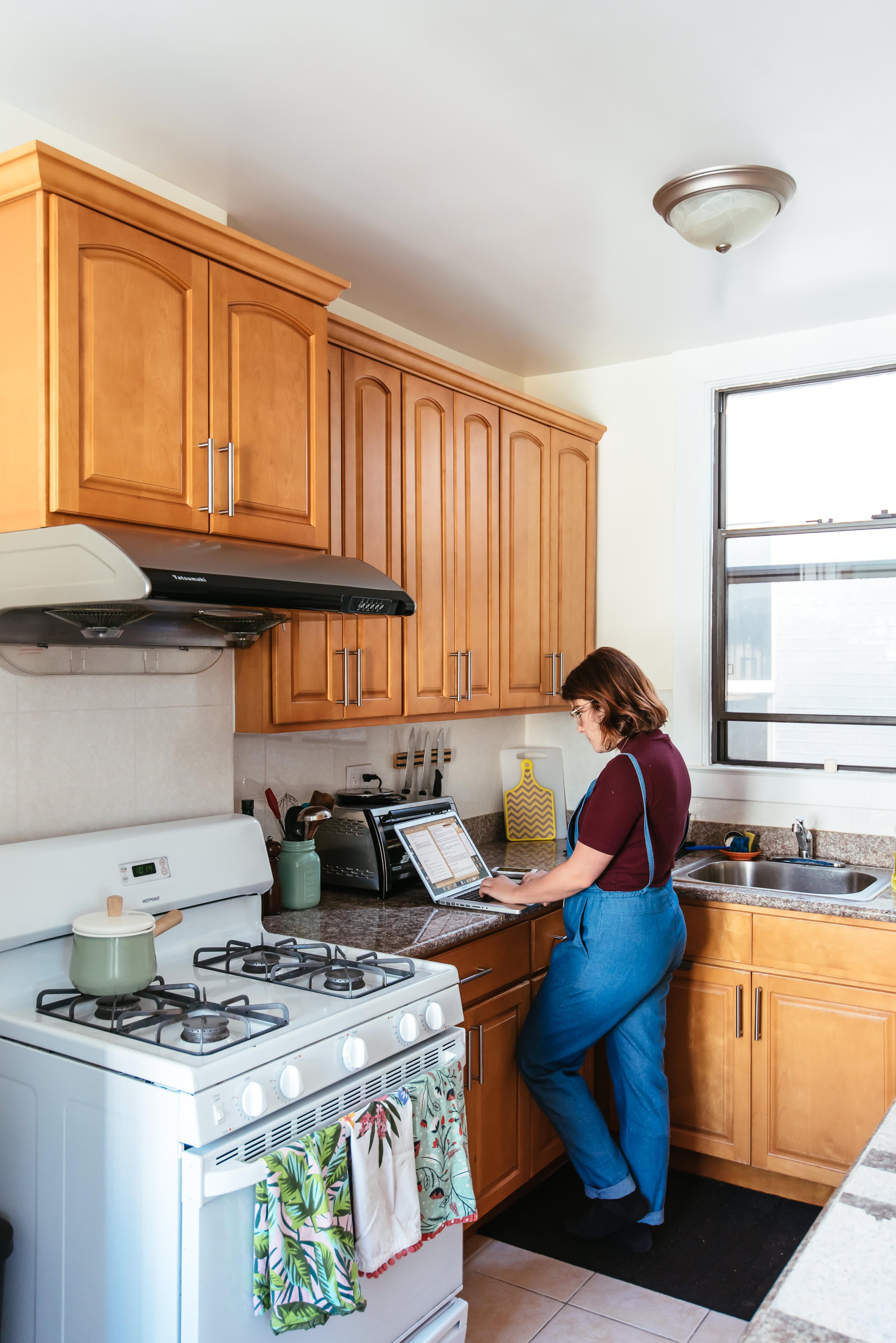 House Tour: A Craigslist Chic San Francisco Apartment ...