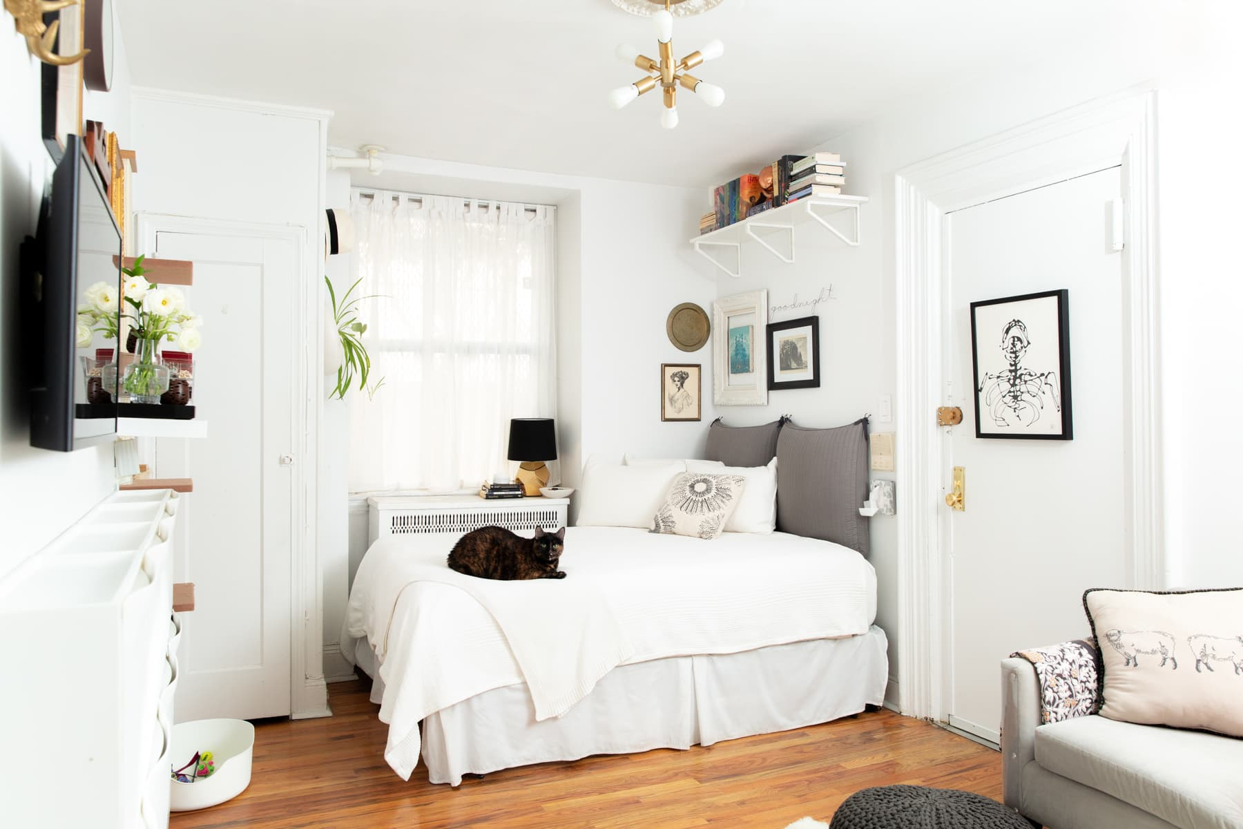 Small Studio Apartment Organizing Advice and Ideas ...