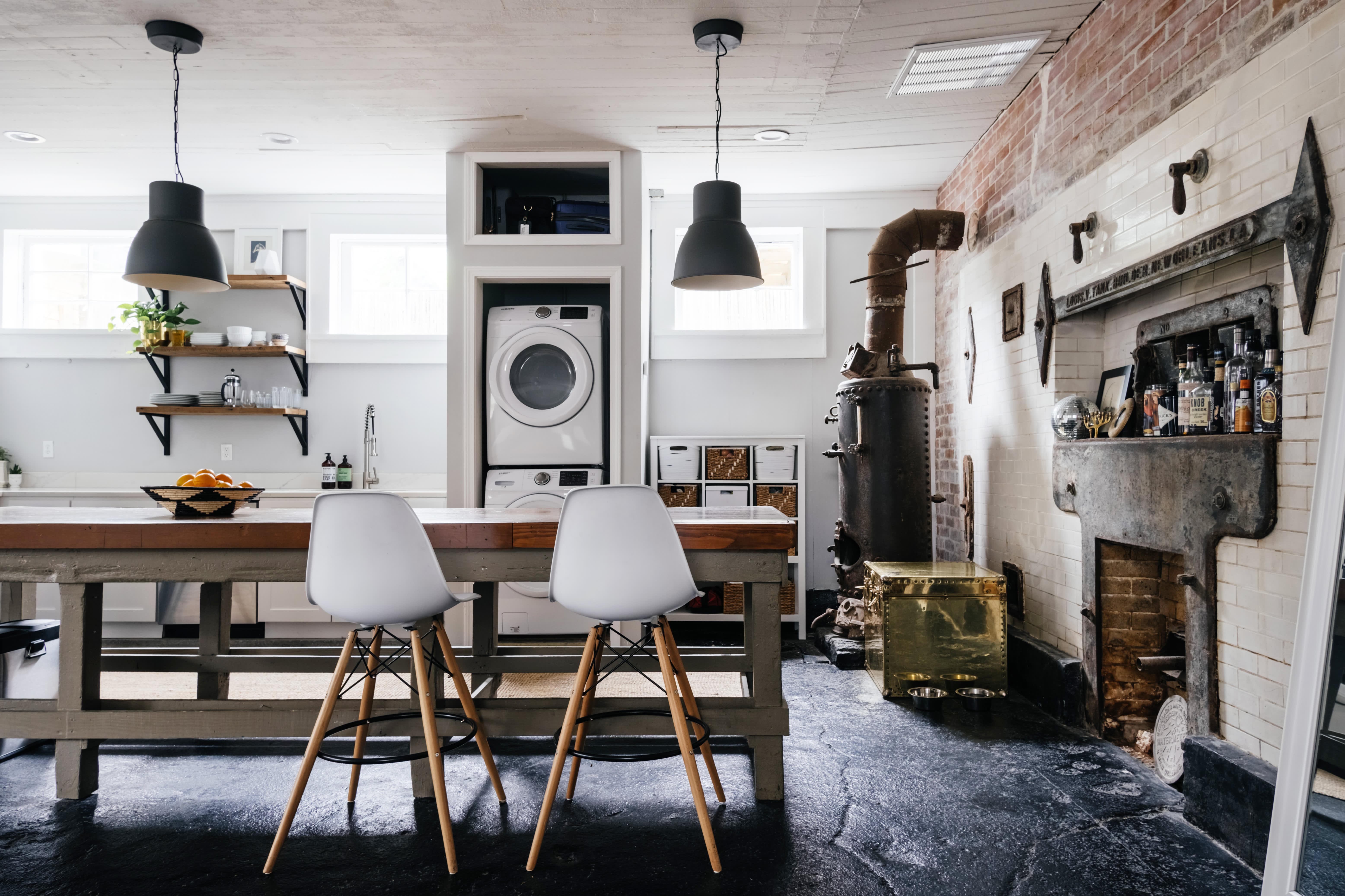 Warm Industrial Studio Apartment in New Orleans | Apartment ...