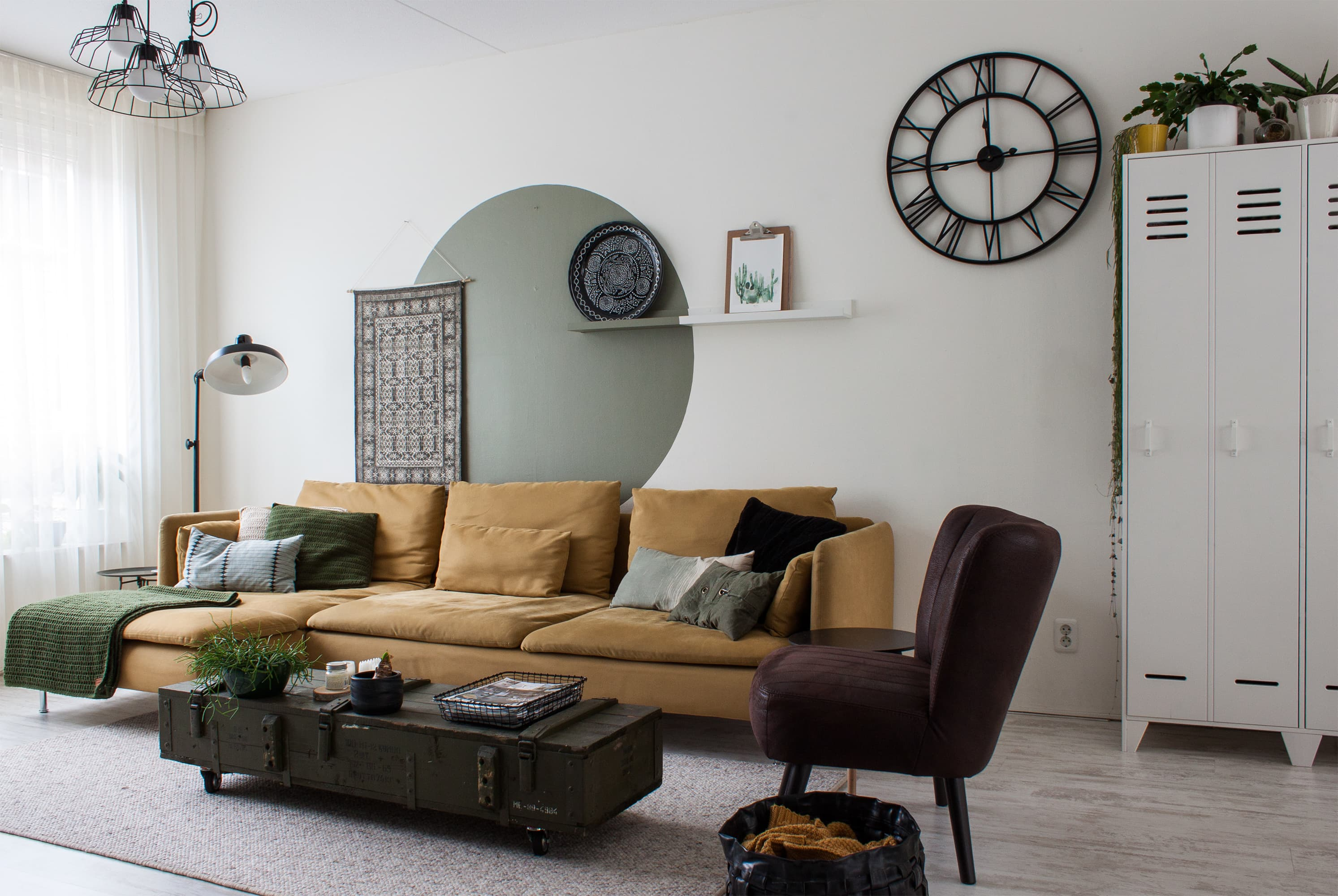 Tv Meubel Master.House Tour A Warm Organic Modern Dutch Home Apartment Therapy