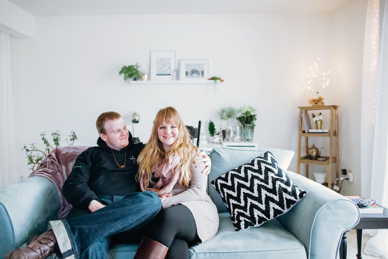 House Tour: A Cozy, Airy Michigan Apartment | Apartment ...